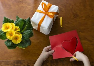 Valentine's Day Crafts to do with Your Child