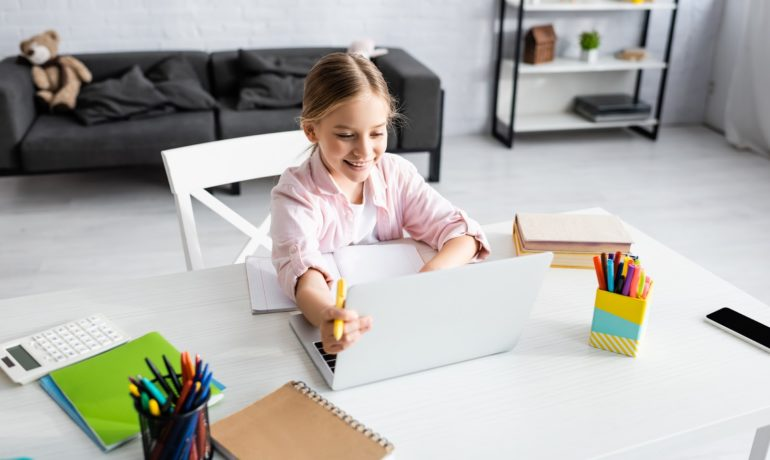 How to Help Kids Succeed in Online Learning